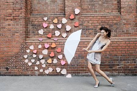 Фото девушка с зонтом (© Louise Leydner), добавлено: 29.10.2010 19:08