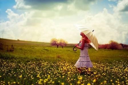 Фото девушка с зонтом (© Louise Leydner), добавлено: 29.10.2010 19:15