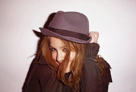 ���� ������� ������ ������ / Leighton Meester � ����� (� Louise Leydner), ���������: 31.10.2010 02:00