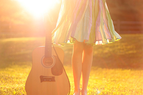 Фото Девушка и гитара (© Юки-тян), добавлено: 31.10.2010 15:18