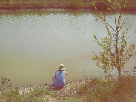 Фото Девушка у воды (© Юки-тян), добавлено: 09.11.2010 07:06