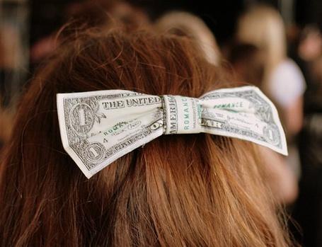 Фото Бант из денег (© Юки-тян), добавлено: 16.11.2010 15:34
