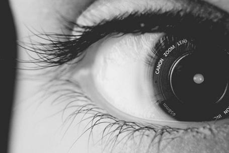 Фото Глаз - камера (Canon zoom lex5) (© Юки-тян), добавлено: 20.11.2010 07:47