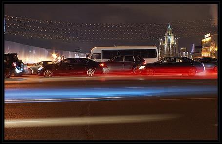 Фото Поток машин (© Юки-тян), добавлено: 20.11.2010 18:47