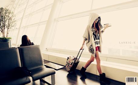 Фото Девушка с чемоданом (© Юки-тян), добавлено: 21.11.2010 11:52