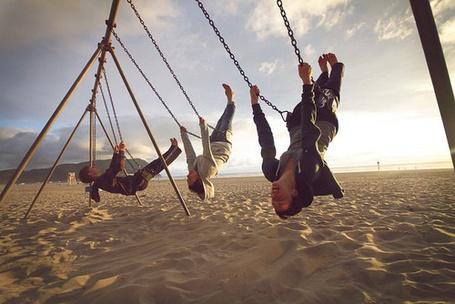 Фото Парни на качелях (© Юки-тян), добавлено: 21.11.2010 12:11