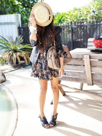 Вышивка девушка с шляпкой