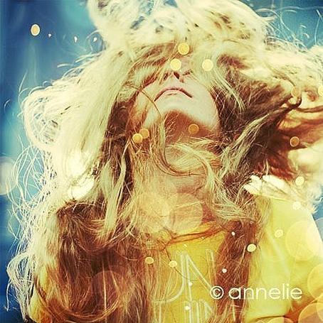 Фото яркая (© КарамЕлькА), добавлено: 19.12.2010 14:42