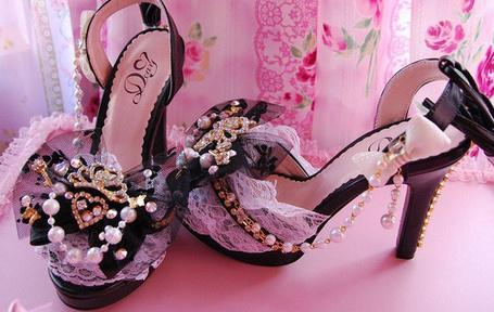 Фото Гламурные туфли (© Штушка), добавлено: 04.01.2011 23:25