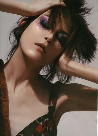 Фото Элис с ярко-накрашенными глазами (© Юки-тян), добавлено: 05.01.2011 08:25