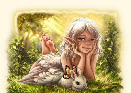 Фото Эльфийка с зайчиком, а у зайчика крылышки бабочки