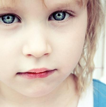 Фото Девочка с красивыми глазами