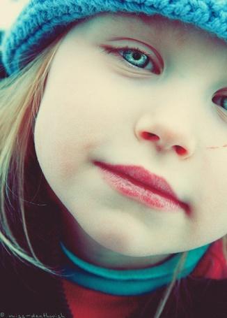 Фото Девочка с зелёными глазами