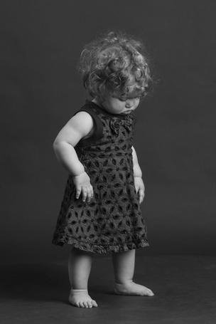 Фото Кудрявая девочка в платье (© Юки-тян), добавлено: 17.01.2011 14:13