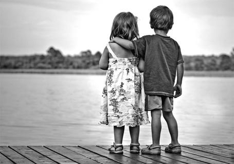 Фото Дети около воды