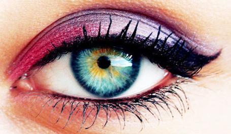 Фото Глаз с красивым  макияжем (© Electraa), добавлено: 12.02.2011 20:11
