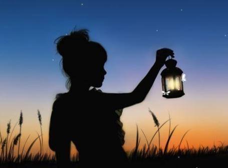 Фото Девушка ночью с маслиной лампой (© Штушка), добавлено: 17.02.2011 20:53