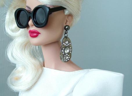 Фото Кукла барби в очках