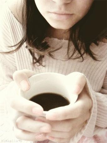 Фото Девушка с чашкой чёрного кофе (© Штушка), добавлено: 04.02.2011 10:33