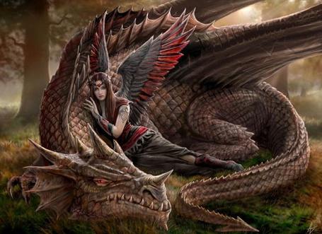 Фото Девушка лежит на драконе (© Штушка), добавлено: 04.02.2011 22:06