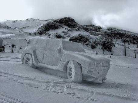 Фото авто из снега (© Штушка), добавлено: 09.02.2011 01:09