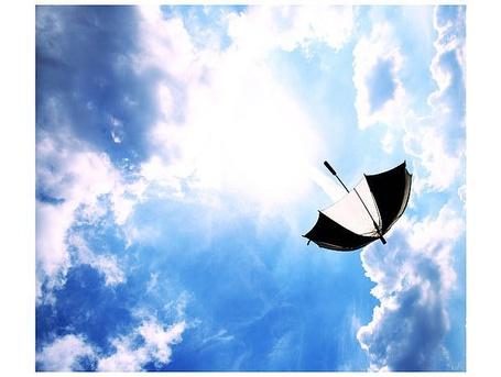 Фото Раскрытый зонтик в облаках (© bakamono_chan), добавлено: 02.03.2011 00:26