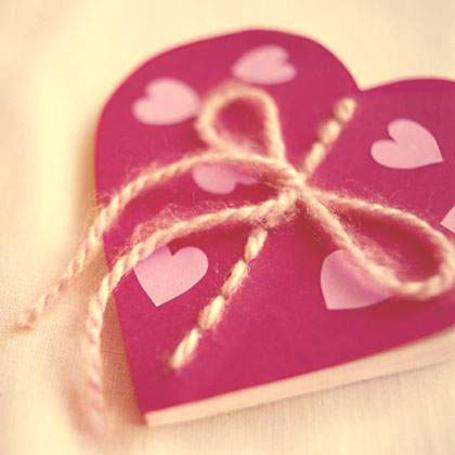 Фото Блокнот в виде сердца (© TARAKLIA), добавлено: 02.03.2011 10:01