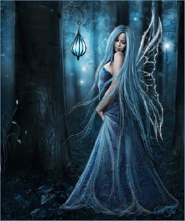 Фото Фея в ночном сказочном лесу...