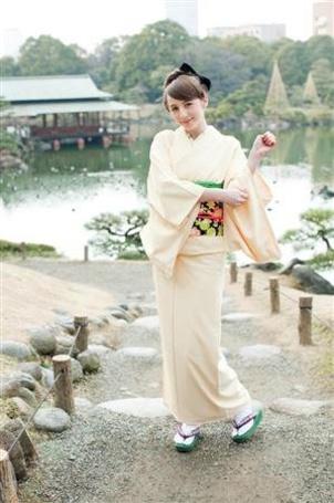 Фото Beckii Cruel в юкато (© Юки-тян), добавлено: 04.03.2011 17:29