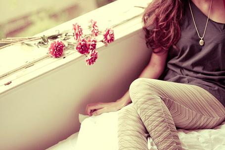 Фото Девушка и цветы (© TARAKLIA), добавлено: 06.03.2011 08:59
