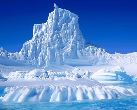 Фото Айсберг в Антарктиде (© Volkodavsha), добавлено: 07.03.2011 14:20
