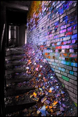Фото Разукрашенные кирпиче и стена (© Штушка), добавлено: 07.03.2011 21:51
