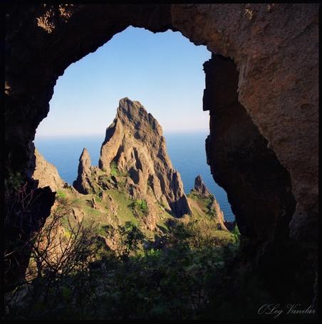 Фото 'Выход из пещеры Мышиное ушко' - Oleg Vanilar (© Юки-тян), добавлено: 11.03.2011 21:03