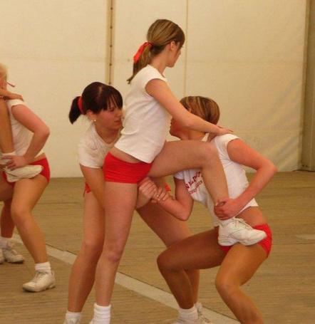Фото Женская акробатика (© Volkodavsha), добавлено: 12.03.2011 12:44