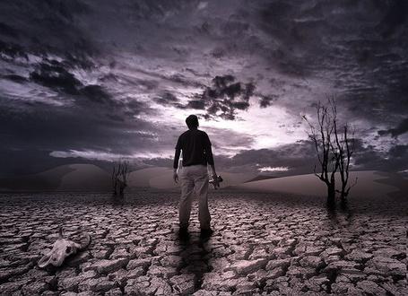 Фото Мужчина смотрит на небеса (© Флориссия), добавлено: 30.03.2011 17:46