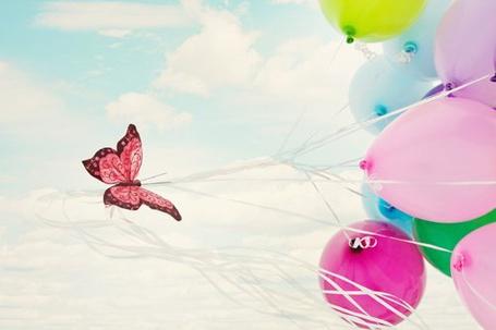 Фото Бабочка на шариках (© Штушка), добавлено: 17.04.2011 11:30