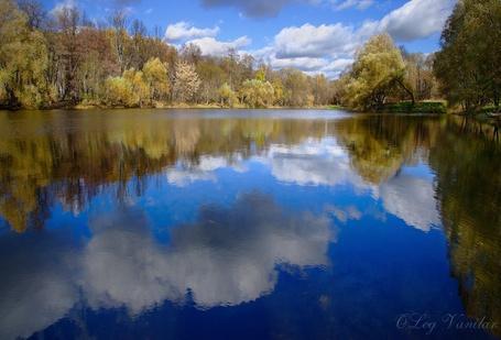 Фото 'Уголок старого парка' - Oleg Vanilar (© Юки-тян), добавлено: 02.05.2011 14:46
