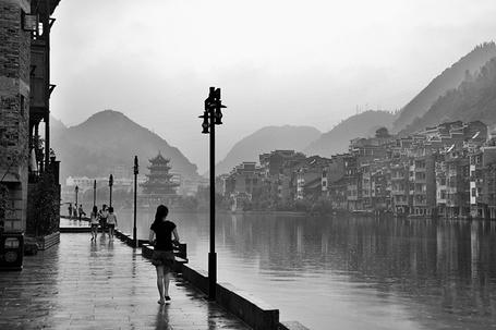 Фото Набережная в Цяньдуннань, провинция Гуйчжоу, Китай (© Niar), добавлено: 03.05.2011 21:30