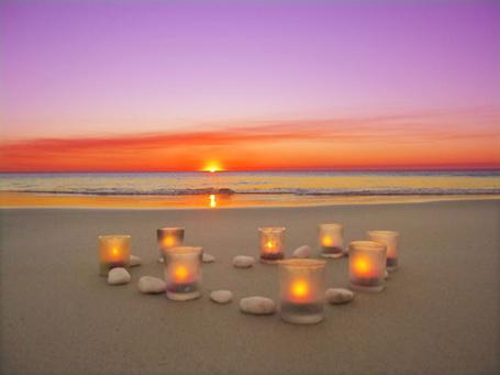 Фото Свечи на берегу моря (© Штушка), добавлено: 06.05.2011 17:59
