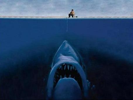 Фото Рыбак ловит на удочку акулу (© Флориссия), добавлено: 14.05.2011 16:45