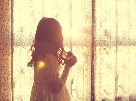 Фото Девушка у окна (© Штушка), добавлено: 20.05.2011 23:13