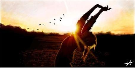 Фото Девушка в лучах заходящего солнца
