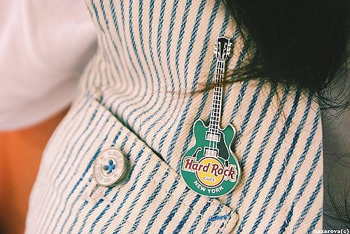 Фото Брошка гитара (Hard Rock)