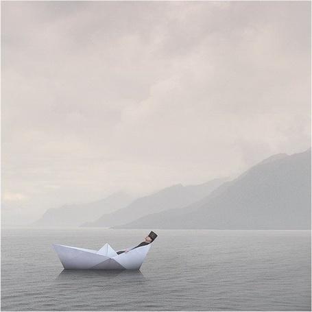 Фото Маленький человечек плавает на бумажном кораблике (© Флориссия), добавлено: 01.06.2011 19:14