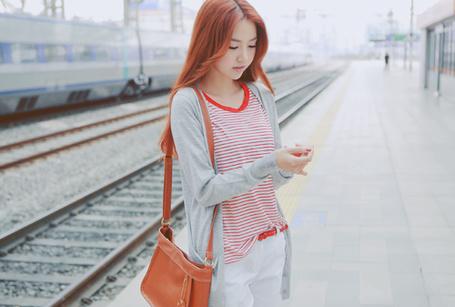 Фото Азиатка на ж/д вокзале (© Шепот_дождя), добавлено: 03.06.2011 00:03