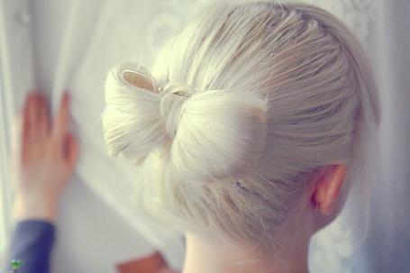Фото Бантик из волос (© Electraa), добавлено: 03.06.2011 22:52