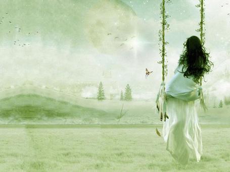 Фото Девушка в длинном белом платье сидит на качелях (© D.Phantom), добавлено: 05.06.2011 12:43