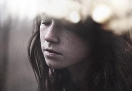 Фото Грустная девушка (© СyмАшеDшая Pандa), добавлено: 08.06.2011 10:13