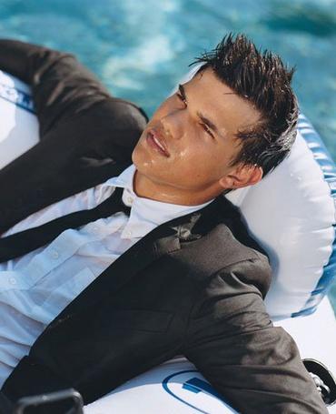 ���� ������ ������/Taylor Lautner (� ����������), ���������: 11.06.2011 12:26