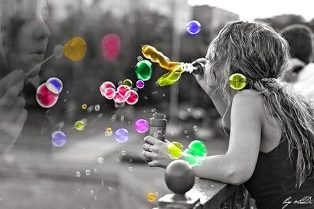 Фото Девушка пускает мыльные пузыри (© Юки-тян), добавлено: 11.06.2011 23:38